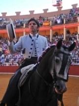 Diego Ventura corta duas orelhas na primeira corrida de Rejoneio