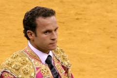 Rui Bento apodera António Ferrera