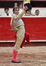 Arturo Macías campanha na América Latina