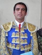 Arturo Macías, reaparece e triunfa