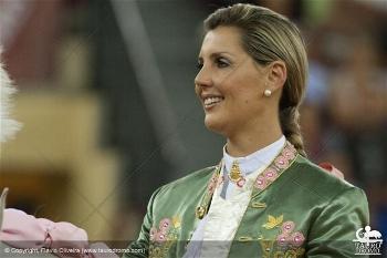 Ovação e Silêncio para Ana Batista em Boca Del Rio