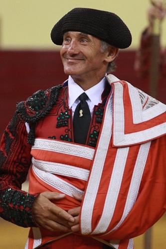Ernesto Manuel: 30 anos a vestir prata
