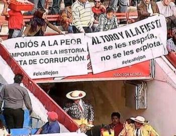 Mexicanos protestaram na Monumental pela ausência do toiro bravo