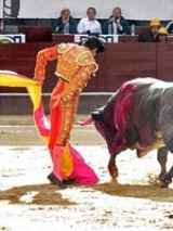 Diego Silveti corta uma orelha em Jalostotitlán