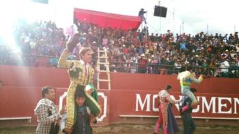 Casquinha saiu em ombros em Espinar - Perú