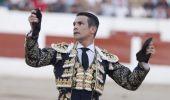 José Maria Manzanares recebe troféu